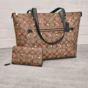 nwt Coach butterfly gallery tote and medium ID wallet bundle a good deal!!