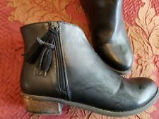Dirty Laundry  - Womens Black Ankle Boot with tassle Size 7.5