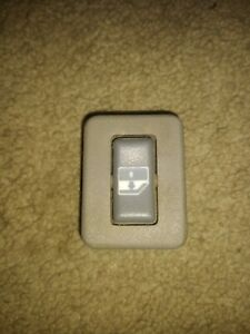 95 - 00  Rear Power Window Switch Gray  LH Left or RH Right Chevy GMC Truck SUV