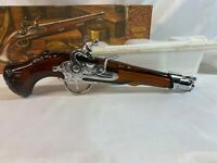 Avon Vintage Dueling Pistol 1760 Decanter Tai Winds Aftershave Full with Box