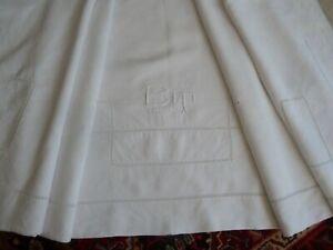 drap ancien autour de 1920 lin brodé main mono B.T 230 x 300 cm PARFAIT