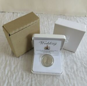 2011 WILLIAM & CATHERINE ROYAL WEDDING £5 PIEDFORT SILVER PROOF CROWN - complete