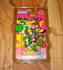 1993 Nintendo SNES NES Super Mario World Mario & Yoshi Rare Figure Keychain