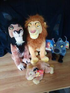 lot peluches Roi lion Mufasa Scar Hyiene Simba Disneyland état neufs et neufs