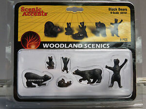 WOODLAND SCENICS O SCALE BLACK BEAR figure animal cub hunting forest WDS2737 NEW