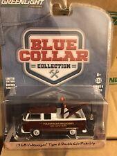 Greenlight Blue Collar 1968 Volkswagen Type 2 crew cab tow truck