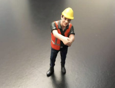 AT COLLECTIONS FIGURES 1:32 SCALE FIGURE PULLING YELLOW JACK HARD HAT