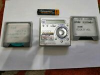 SONY MZ-R700PC MD MINIDISC WALKMAN RECORDER for parts/repair with 2 discs woow