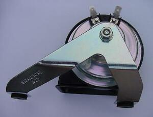 SEA RAY  BOAT HORN  only FLUSH MOUNT MARINE 12 VOLT W BRACKET price drop NEW !