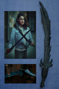 CLASS Doctor Who screen used prop Shadow Kin alien RUBBER STUNT SWORD Dr Who BBC