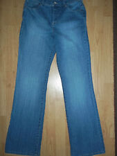 Womens Size 6 Style & Co. Jeans Boot Cut Tummy Controll Light Blue