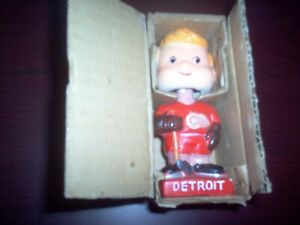 1960s Detroit Red Wings Hockey Mini Bobblehead with Original Box Mint 129.99$