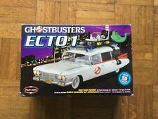 Model kit / maquette Ghostbusters Ecto 1 POLAR LIGHTS 1:25 Cadillac