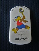 1984 LOS ANGELES Olympics TENNIS WITH GAMES MASCOTTE Pin Badge