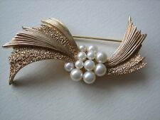 Trifari Crown spilla dorata con perle anni '60