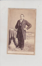 SAN FRANCISCO, CA. HANDSOME MAN IN SUIT. ANTIQUE CDV BY BAYLEY & CRAMER