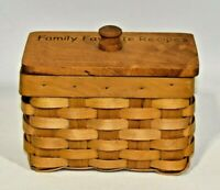 Vintage Handmade Woven Wicker Basket Recipe Card Box Holder Family Favorite EUC