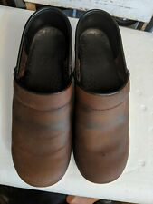 Dansko  brown oiled leather Closed Back Clogs Women's EUR 36 work professional