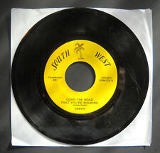 Darvin DOWN THE ROAD THAT YOU'RE WALKING / LET'S DO A LITTLE MORE SMILING 45rpm