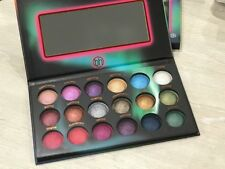 BH Cosmetics Aurora Lights - 18 Color Baked Eyeshadow Palette