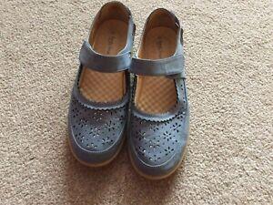 Comfy Sense By Isle Blue Ladies Comfort Shoes Size U.K. 6 Eur 39