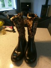 D&G,DOLCE & Gabbana brand new winter boots. Size 4 and 5.
