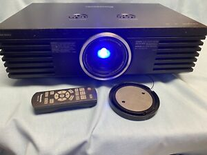 PANASONIC PT-AE3000U LCD FULL HD 1080p HOME THEATER PROJECTOR