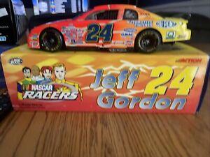 JEFF GORDON # 24 DUPONT / CHARGER Nascar Racers 1/18 SCALE 2000 MC