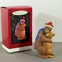 Mom and Dad bears bear hug Hallmark Keepsake Christmas Ornament vintage 1996 90s