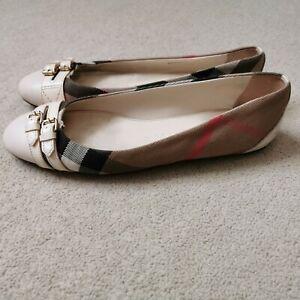 BURBERRY women's  Leather And Nova Check Ballet Flats, AMAZING!! RPR 530.00€