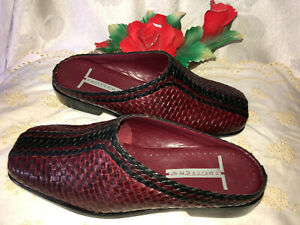 TROTTERS Dark Red Leather LILY Slip in Women Sandals. Sz-7W. Brazil.