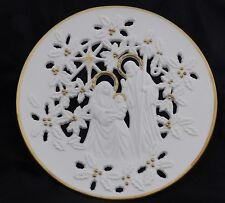 "Lenox Pierced Porcelain "" The Holly Family "" Collector Plate 1993 With Gold ."