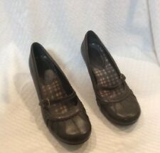 EUC MUDD Womens Mary Jane Dress Heeled Shoes. Size 9M Color Brown