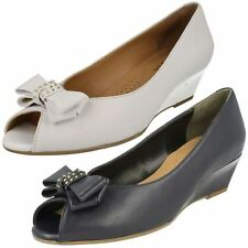 Ladies Van Dal Leather Slip On White Wedge Peep Toe Shoes with Bow : Hudson