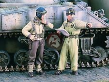 """Verlinden 1/35 """"There!"""" US Tankers looking at Map WWII (2 Figures) [Resin] 1839"""