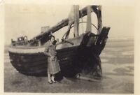Fotografia Amateur Donna Spiaggia Barca snapshot PL10L2-8 Vintage