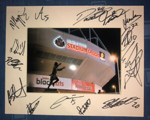 Sunderland AFC 21/22 HAND SIGNED 10x8 MOUNT DISPLAY Signed By 14 Players