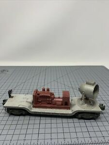 LIONEL O GAUGE, # 6520 MAROON GENERATOR SEARCHLIGHT CAR - Missing Parts A2