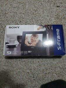 "Sony DPF-D810 8"" Digital Picture Frame"