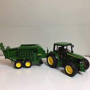 Bruder John Deere Tractor 6920 + Big Square Hay Baler 690