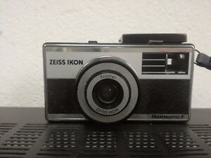Machine Photography Vintage 35mm ZEISS Ikon Ikomatic F with Case