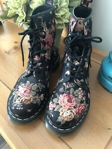 Dr Martens Floral Canvas Boots Womens 8 / 39 Euro~ Excellent Condition