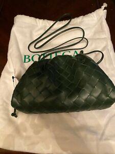 BOTTEGA VENETA - Small The Pouch Leather Clutch - Bottle-Gold - Green