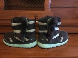 Nike Roshe Boot Toddler Girls Size 7C Grey/mint green
