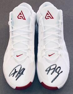 Giannis Antetokounmpo Autographed Nike Zoom Freak 1 Signed US 17 Auto Shoes JSA