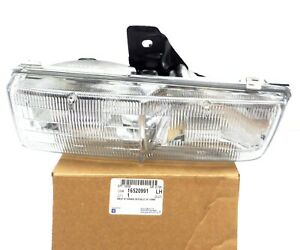 16520991 New NOS OEM Driver Side Head Lamp 1993-1996 Buick LeSabre Park Avenue