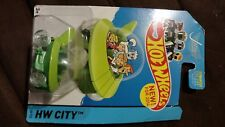 HOT WHEELS 2014 HW CITY SERIES NEW MODELS THE JETSONS CAPSULE CAR