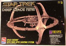Star Trek DS9 Fiber-Optic AMT-ERTL Model