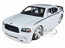2006 DODGE CHARGER SRT8 HEMI LOPRO WHITE 1/18 DIECAST MODEL CAR BY JADA 96582