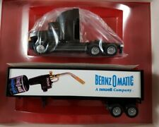Winross 1997 BERNZOMATIC A NEWELL COMPANY Freightliner Tractor/Trailer 1:64 NIB